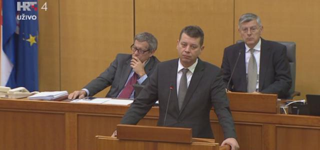 Mesić: Naša se upozorenja o trošenju s kartica u vrijeme Milanovićeve vlade sustavno ignoriralo!