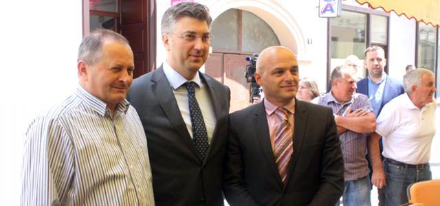 S budućim gradonačelnikom Požege Puljašićem (desno)