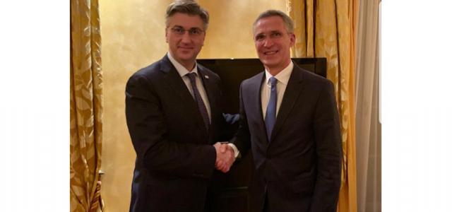 S glavnim tajnikom NATO-a Jensom Stoltenbergom